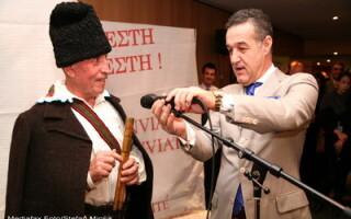 Gigi Becali le-a dus oua rosii europarlamentarilor de la Bruxelles