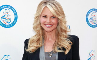 Christie Brinkley - 2