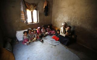 familie copii malnutriti - Agerpres
