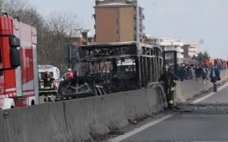 autobuz in flacari in italia