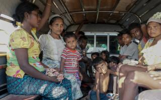 Femei din Myanmar