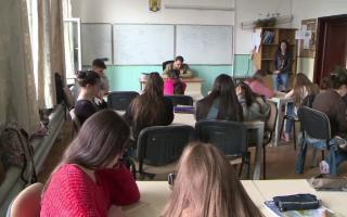 Studiu despre sănătatea mentală şi starea de bine în mediul şcolar
