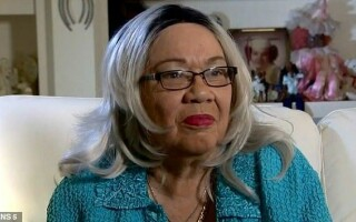 O femeie a aflat la 70 de ani că nu este de culoare