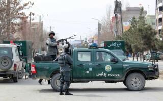 Atac asupra unui templu al comunităţii sikh la Kabul. 150 de oameni, luați ostatici