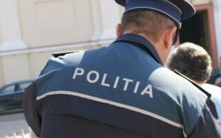 Sucevean întors din Italia, care se plimba pe străzi cu 30 de papagali şi un câine, băgat în carantină
