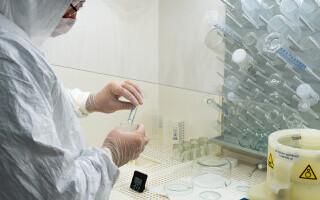 Ce este tulpina sud-africană COVID-19. Sunt eficiente vaccinurile împotriva acestei variante de coronavirus?
