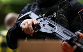 Polițist din Arad, reținut după participarea la o spargere. S-a furat un seif cu 300.000 de euro