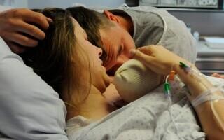 O americancă a născut un copil cu anticorpi împotriva Covid-19, susțin doi medici