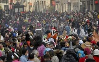 Carnaval neautorizat cu 6.500 de oameni, în Marsilia - 1