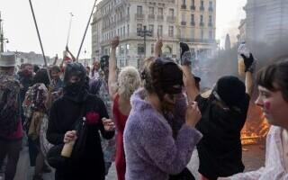 Carnaval neautorizat cu 6.500 de oameni, în Marsilia - 6
