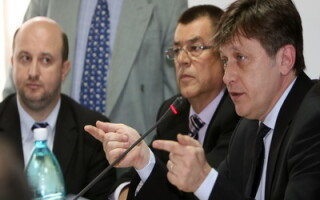Membrii PNL la sedinta CES
