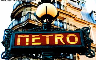 semn metrou Paris
