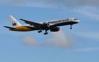 avion al liniei aeriene Monarch