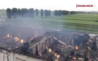 Incendiu depozit arhiva