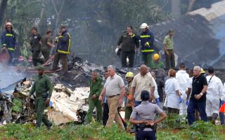 presedintele Cubei la locul prabusirii avionului