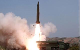 Kim Jong-un supervizează testele nord-coreene cu rachete şi alte tipuri de arme - 15