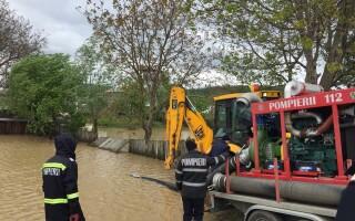 Inundaţii în ţară