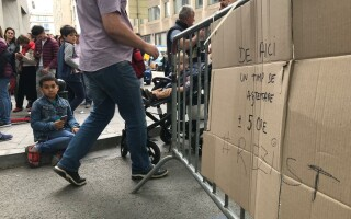 romani la sectie de votare in Belgia