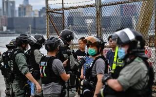 Proteste în Hong Kong din cauza legii securităţii naţionale. Poliţia a intervenit cu gaze lacrimogene. GALERIE FOTO - 4