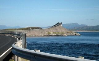 Podul Storseisundet Norvegia