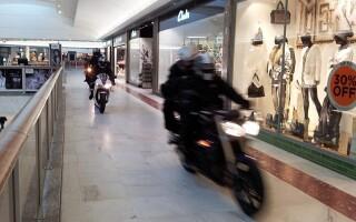 jaf pe motociclete, mall Londra