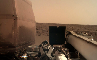 Imagine surprinsă de Sonda InSight de pe Marte