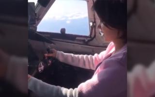 O tanara a pilotat un avion fara sa aiba licenta