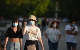 România, sub noile restricții. Ce amendă riști dacă nu porți mască de protecție