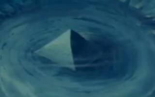 piramida subacvatica, Triunghiul Bermudelor