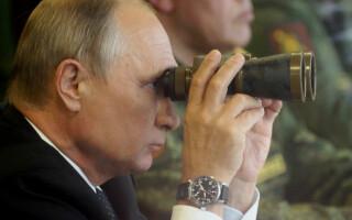 Vladimir Putin la exercitiul Zapad