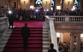 Carles Puigdemont, în parlament
