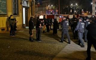 politia berlin petrecere fetis