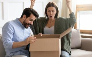 (P) 5 MOTIVE pentru care trebuie să oferi CADOU de CASĂ NOUĂ proaspeților căsătoriți