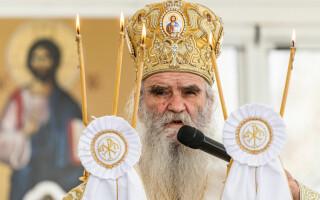 """Mitropolitul din Muntenegru, care spunea că """"pelerinajul este vaccinul lui Dumnezeu"""", a murit de Covid-19"""