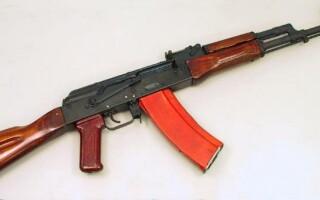 Un adolescent din Rusia a jefuit un magazin cu o arma de jucarie