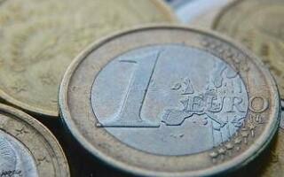 Leul pierde din nou teren in fata euro