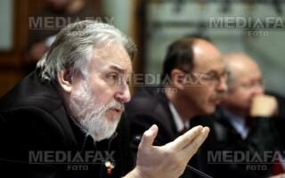 Adrian Paunescu demisioneaza din comisia senatoriala de ancheta a ICR