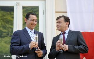 Victor Ponta, Crin Antonescu