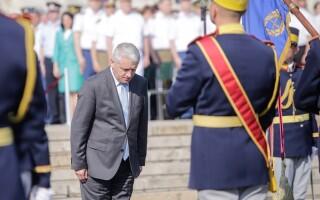 Ministrul Apărării Naționale, Adrian Țuțuianu, participă la festivitatea de absolvire a promoţiei 120
