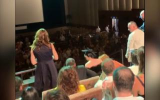 """Reacţia publicului de la Veneţia la documentarul """"colectiv"""". Momentul când izbucnesc în lacrimi"""