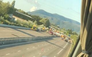 Microbuz cu romani implicat intr-un accident in Franta