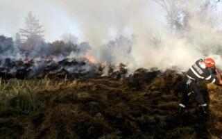 Incendiu la un depozit de furaje din Botoșani