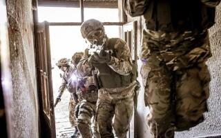 Povestea soldatului care a ucis 5 teroriști în 7 secunde