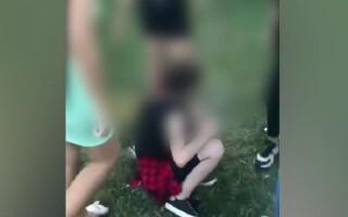 Noi imagini cu o fată de 12 ani, bătută în Târgu Jiu. Una dintre agresoare, implicată și în cazul fetei de 13 ani