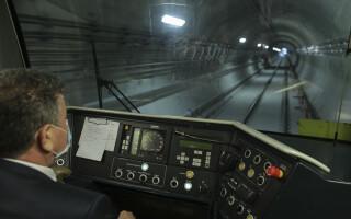 S-au semnat procesele-verbale pentru darea în funcțiune a magistralei de metrou M5. Când se va putea circula