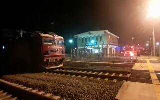 Locomotiva unui tren București-Viena a luat foc în Alba. Circulația feroviară a fost întreruptă