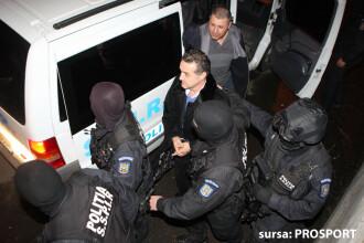 Gigi Becali sufera in arest. Afla cu cine sta in celula!