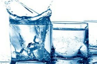 CSID: Afla cata apa trebuie sa consumam zilnic