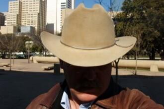 Jos palaria in fata celor trei cowboy de Pantelimon!