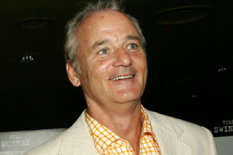 Bill Murray face victime printre femei, pe terenul de golf. La propriu!